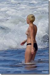 Miley-Cyrus-270302 (14)