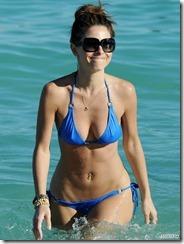 maria-menounos-blue-bikini-270217 (3)