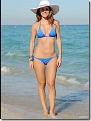 maria-menounos-blue-bikini-270217 (6)