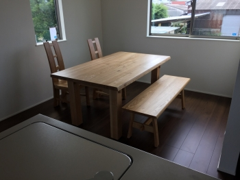 モデルハウス ダイニングテーブル