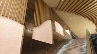 150206上越妙高駅-木の内装