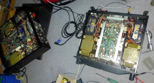01_2台の故障したアンプ
