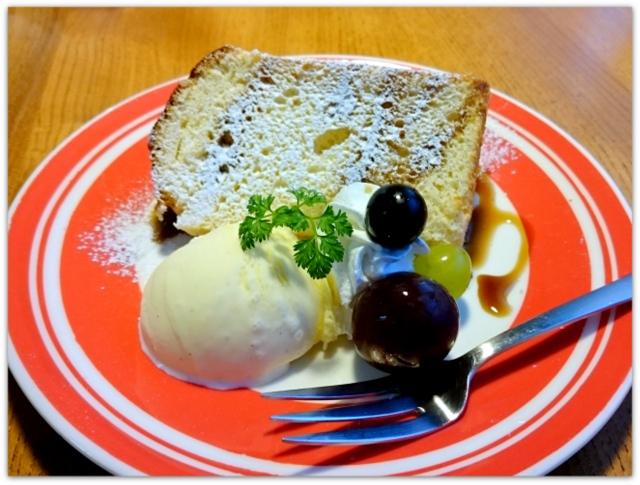 青森県 黒石市 ツキカフェ グルメ スィーツ シフォンケーキ