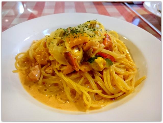 青森県 黒石市 ランチ サッソネロ パスタ サーモンといろどり野菜のクリームソース
