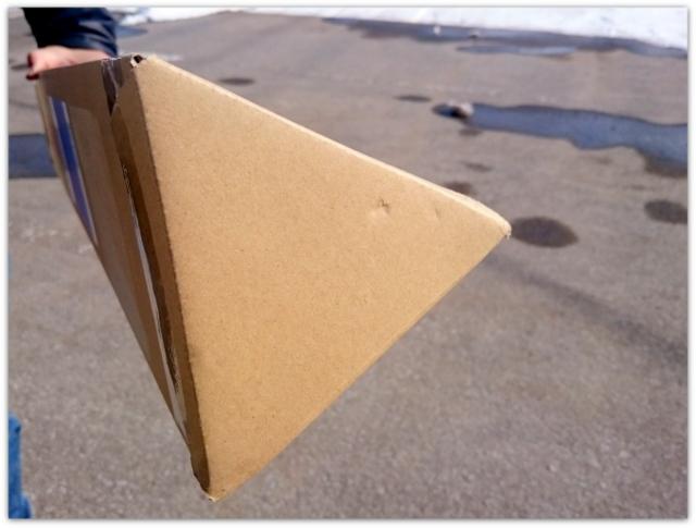 三角柱のダンボール