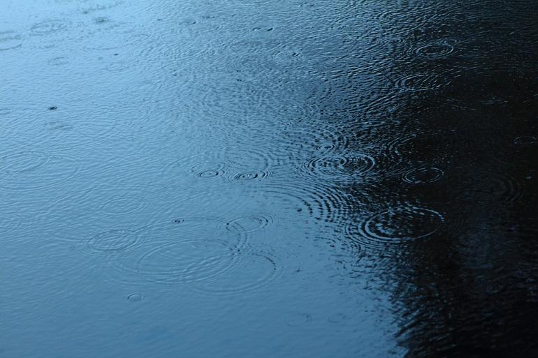20150208雨ふり-1a