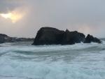 晴れ間が見える立岩