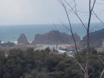 神明山古墳から立岩を望む2
