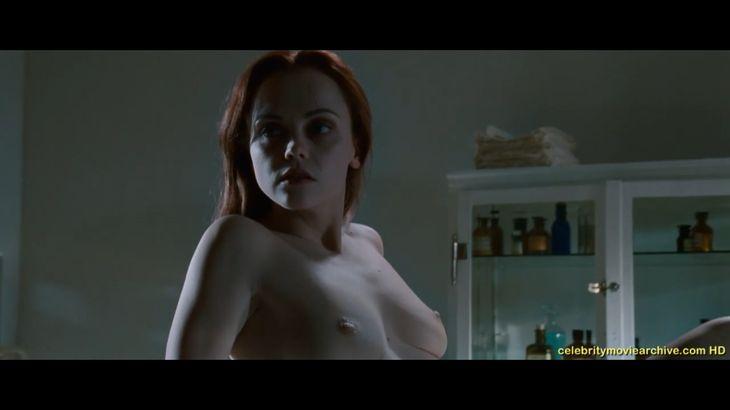 ※画像・動画有 診療台の上で全裸で横たわるアメリカの大女優!!