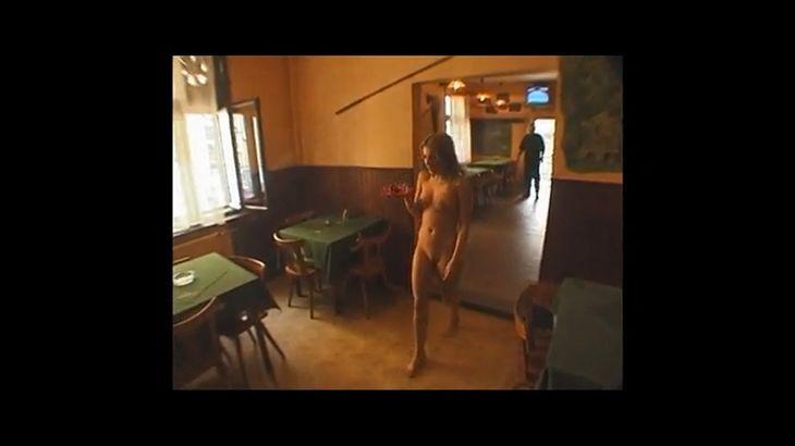 ※画像・動画有 全裸の美人ウェイトレスがいるダイニングレストラン!
