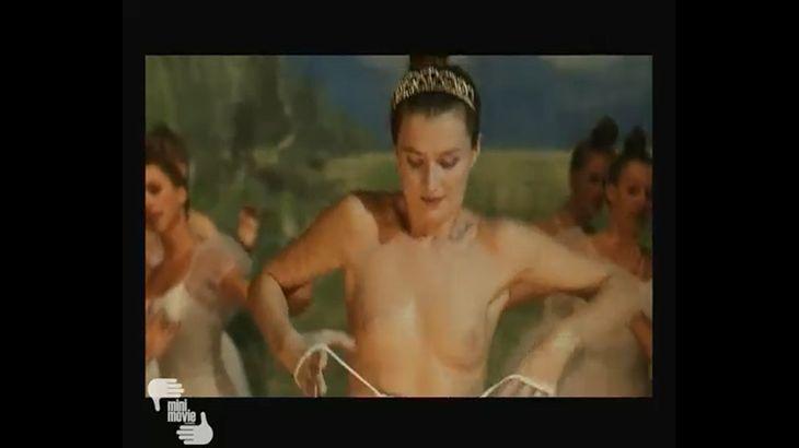※画像・動画有 ハプニングをものともせず、全裸のまま踊り続けるプリマ・バレリーナ!