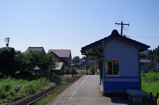 越中国分駅 7