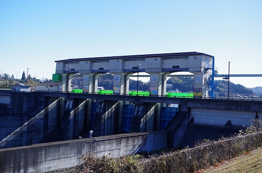 高滝ダム 2