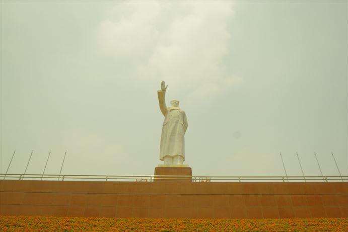 毛沢東像_R