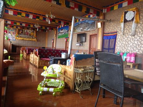 理塘で夜ご飯:チベット料理 (3)_R