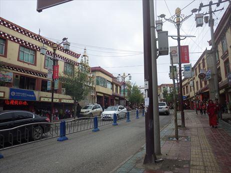 甘孜の街並み_R