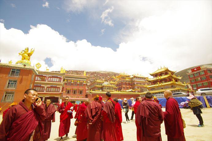 ラルンガルゴンパ:チベット僧_R