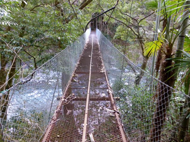 下モ番の吊橋1