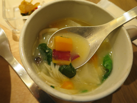 味噌スープ旨し