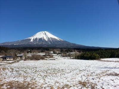 雪原の富士山