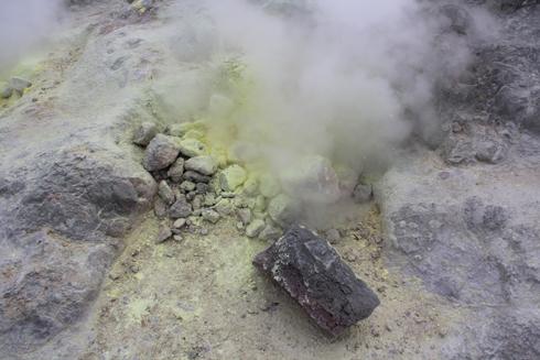 硫黄山と自然硫黄-4