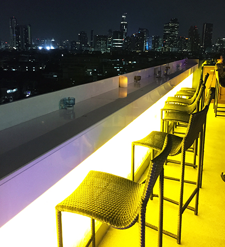 Sky Moon Bar Bistro_bangkok01