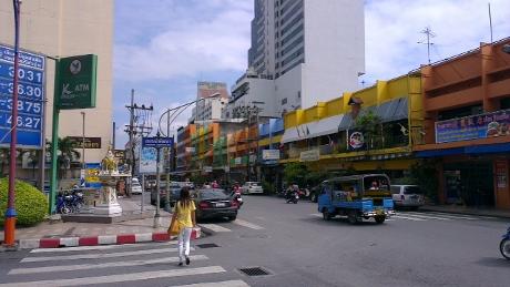 タイのハジャイでセミリタイア画像