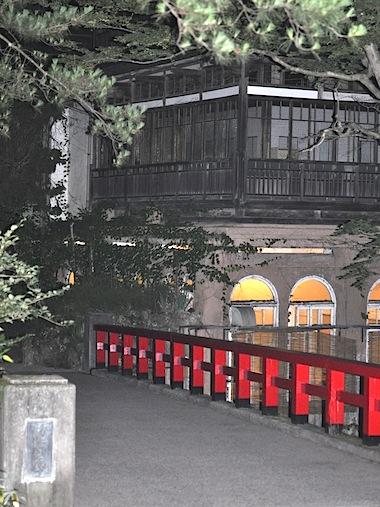 アニメ映画のモデルとなった温泉宿