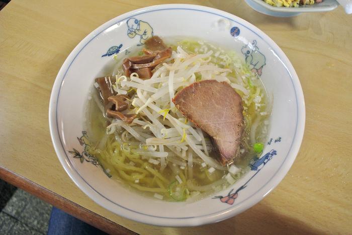 中華料理 とくみ@宇都宮市台新田 塩ラーメン1