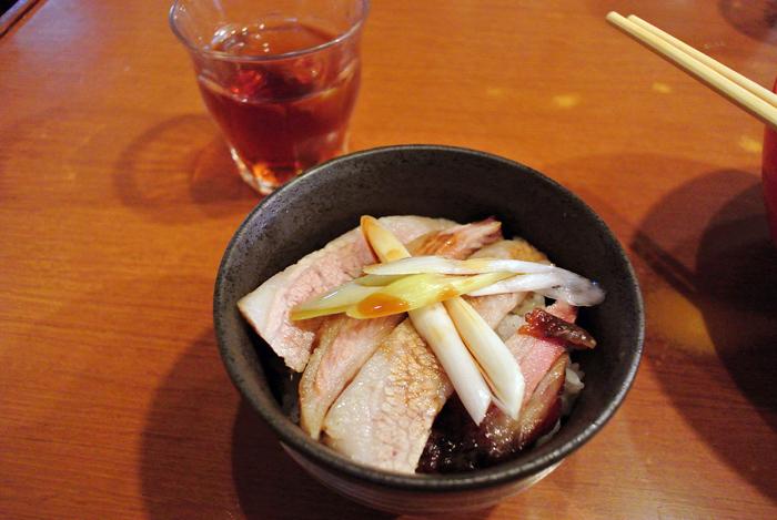 らーめん厨房 どる屋@宇都宮市中央 Andy特製チャーシュー丼&どる茶