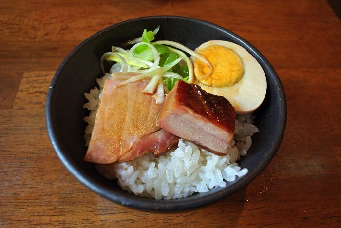 プレミアム八汐鱒らーめん 醤油 Andy特製チャーシュー丼