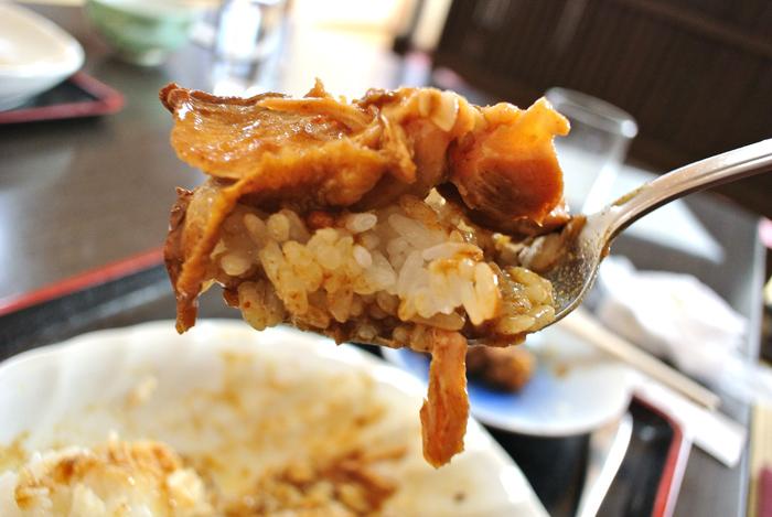 食事処 こまつ@市貝町上根 鶏ももから~いカレー煮込み定食2
