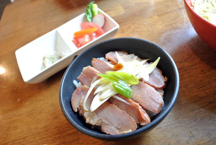 らーめん厨房 どる屋@宇都宮市中央 Andy特製チャーシュー丼+鮎のバーニャカウダ