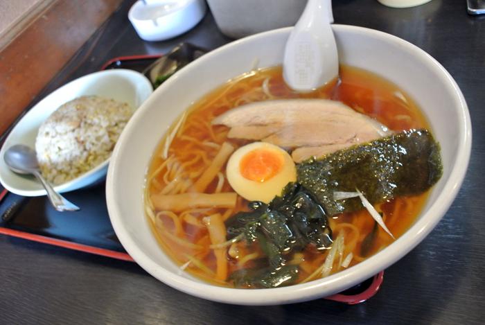 万世丸@鹿沼市下田町 屋台正油らー麺+セットA 半チャーハン