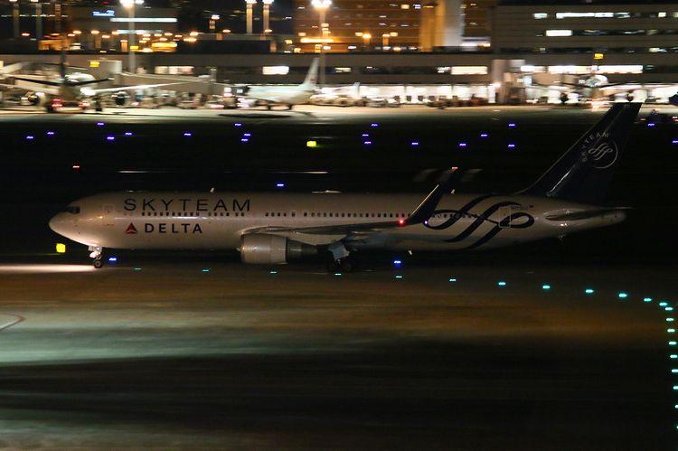 1506羽田空港70D (200)FC2