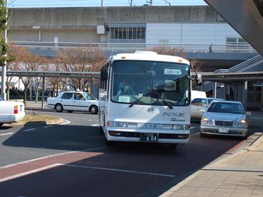 4シャトルバス0326