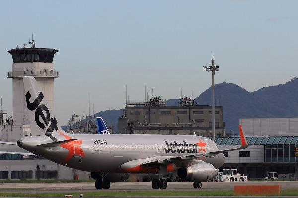 GK A320-232 JA006P RJOM 150720 03