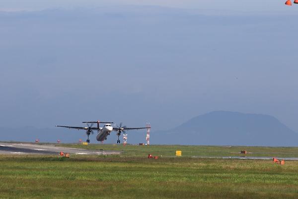 3X DHC-8-402Q JA846C RJOM 150718 01