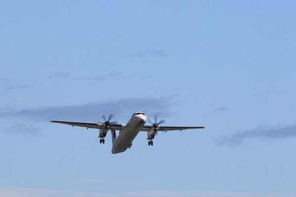 3X DHC-8-402Q JA846C RJOM 150718 03
