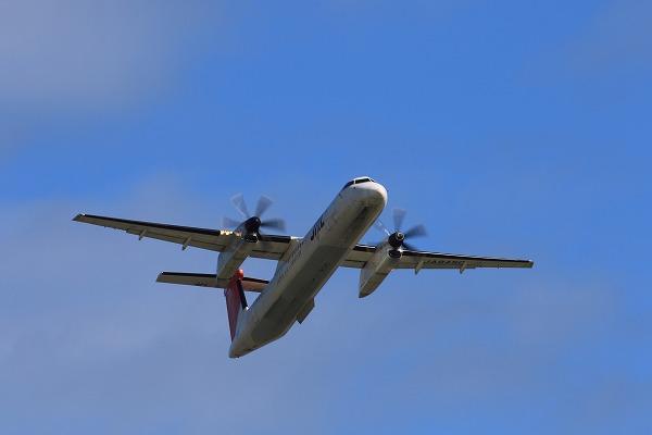 3X DHC-8-402Q JA846C RJOM 150718 04