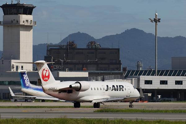 3X CRJ200ER JA205J RJOM 150718 03