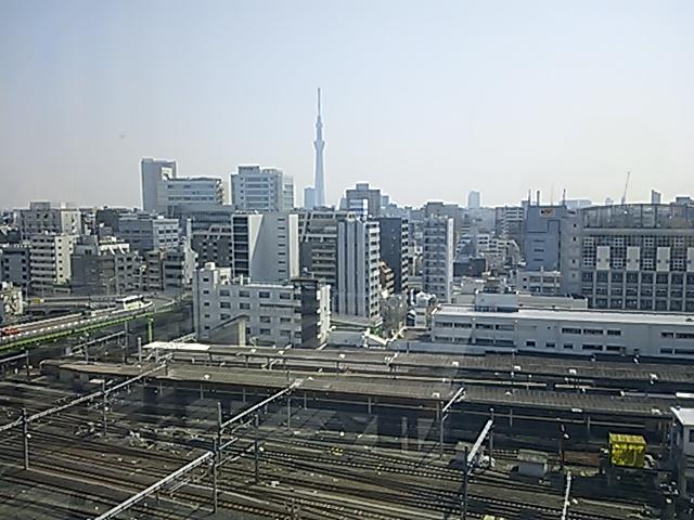 科博屋上スカイツリーと上野駅