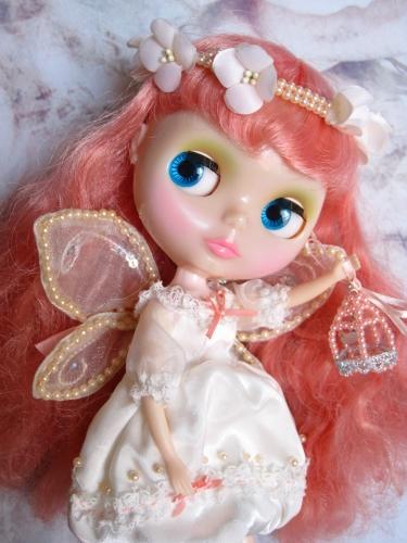 青い目の妖精さん