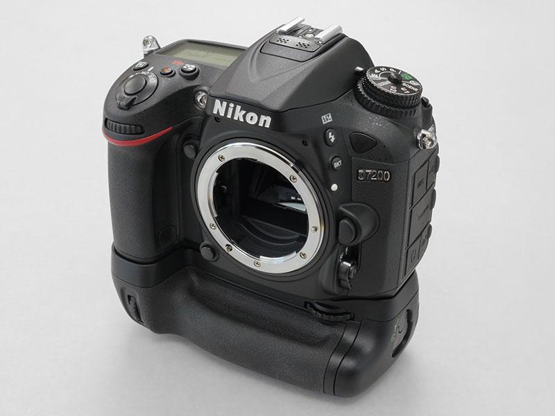 nikon_d7200_bp_kit_01.jpg