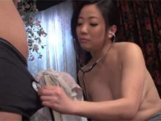 段腹熟女 :【無修正】聴診器をチ●コに当てたら聴チン器になる・・のか?