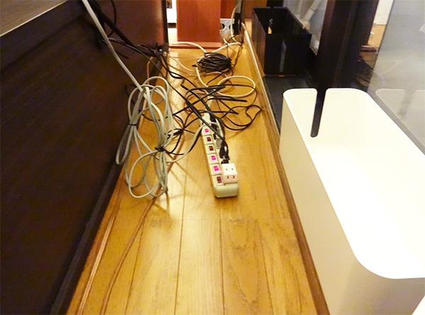 テレビ配線収納実例