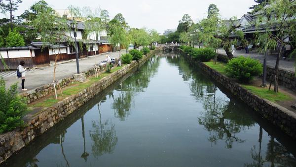 朝の倉敷川