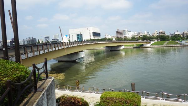 隅田川と桜橋
