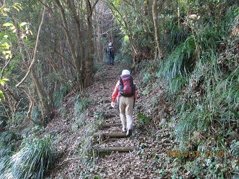 三角岳への上り