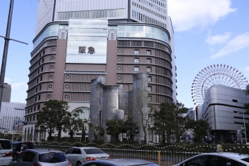 2 阪急と換気塔